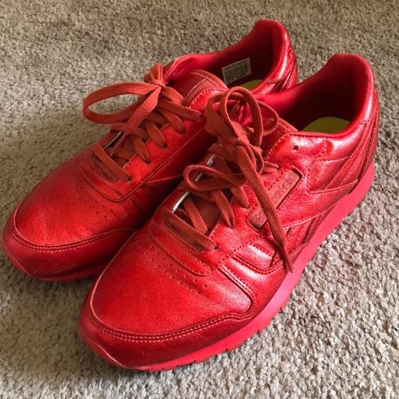 7950dd69519 Reebok metallic red classics